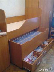 Продам двухъярусную выкатную кровать