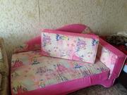 Продам диван подростковый для девочки
